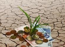 """Geld kann auch in """"gute"""" Projekte investiert werden – bisher gibt es jedoch keine verbindlichen Rechtsnormen, was ethische Fonds genau leisten müssen. (Foto/Montage: Susanne Schwarz/ Adrien Tasic)"""