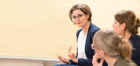 Maria Prahl, Working Between Cultures